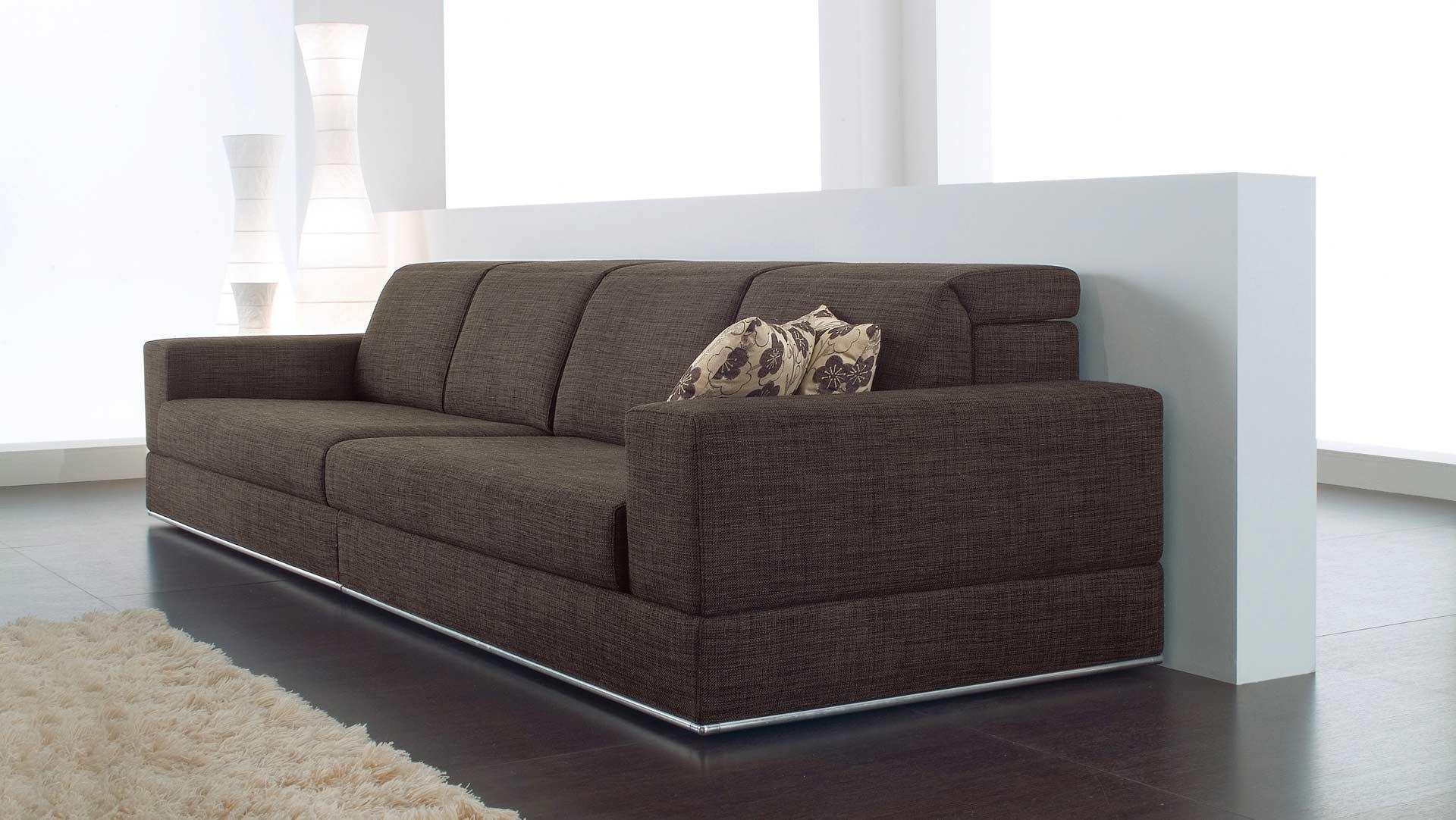Produzione divani milano produzione artigianale divani a for Casa milano divani